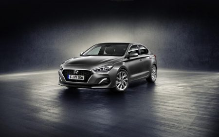Hyundai i30 Fastback: un mix tra berlina e coupé